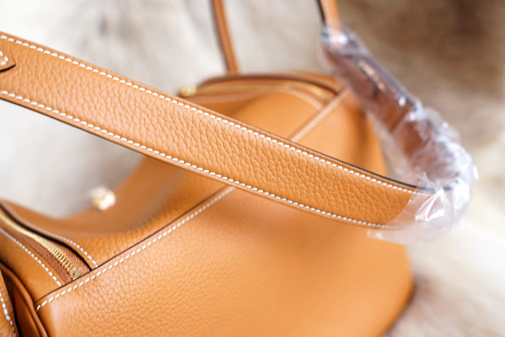 最新年份真品开版 1H太妃金 琳迪包 Lindy26CM 金扣 原厂Clemence皮 法国蜡线 全手缝
