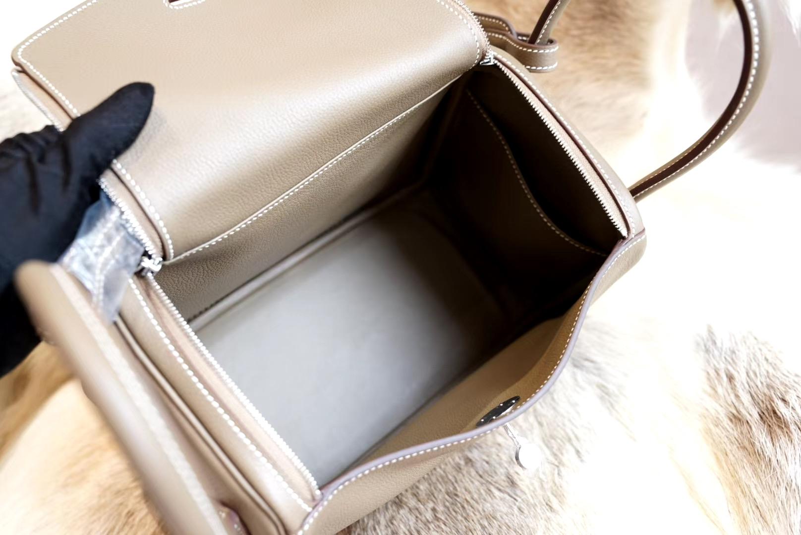 最新年份真品开版 大象灰 琳迪包 Lindy 26CM 银扣 原厂Evercolor皮 法国蜡线 全手缝